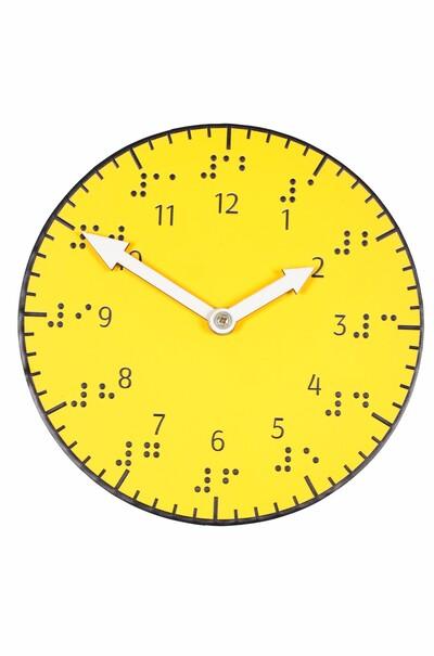 годинник шрифтом Брайля