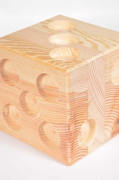 Оригинальная подставка для свечей (натуральное дерево)