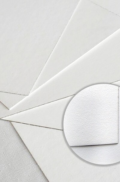 Білий грунтований картон