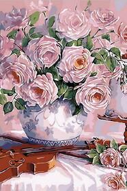 Скрипка и розовый букет