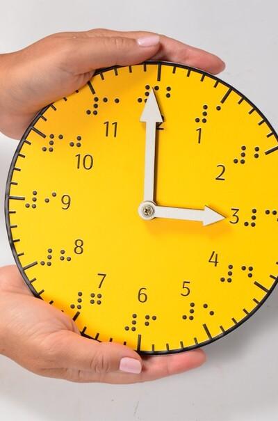 тактильний годинник